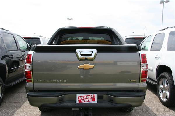chevy avalanche chrome tailgate handle cover putco 400076. Black Bedroom Furniture Sets. Home Design Ideas